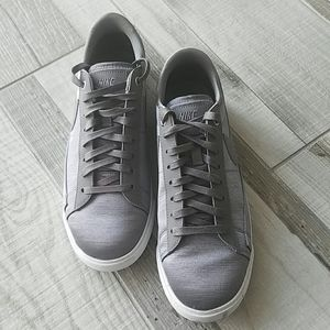 Nike Court Royale silver/grey satiny shoe sz 9.5